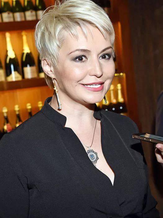 барышня желает российские звезды с короткой стрижкой фото добрынин