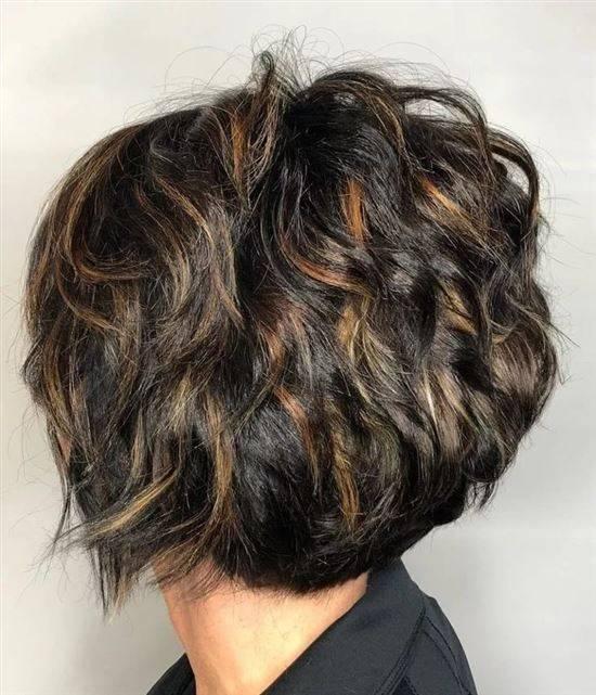 одной прическа боб на кудрявые волосы фото июне
